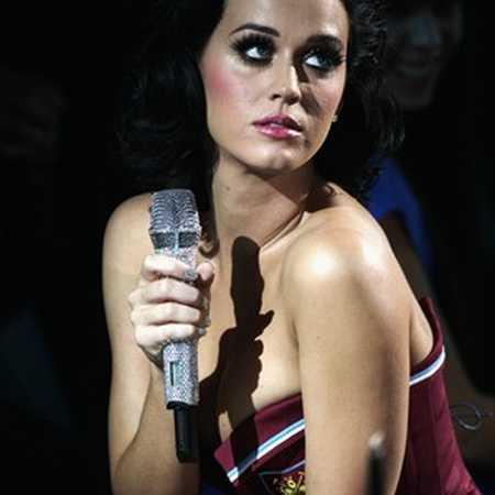 Katy Perry Hot and Cold Performance still