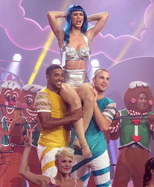 Katy Perry performed in many costumes