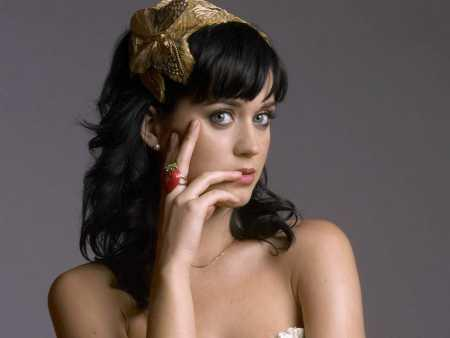 Katy Perry spicy exposing photo