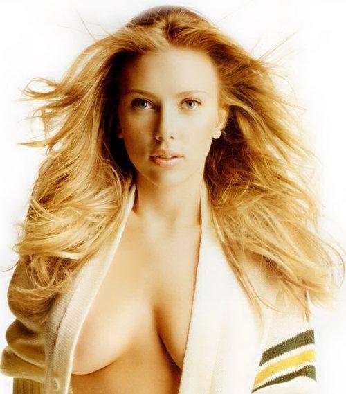 Scarlett Johansson opening dress boob show