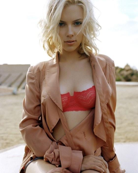 Scarlett Johansson opening dress images