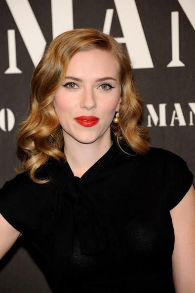 Scarlett Johansson wet red lips images
