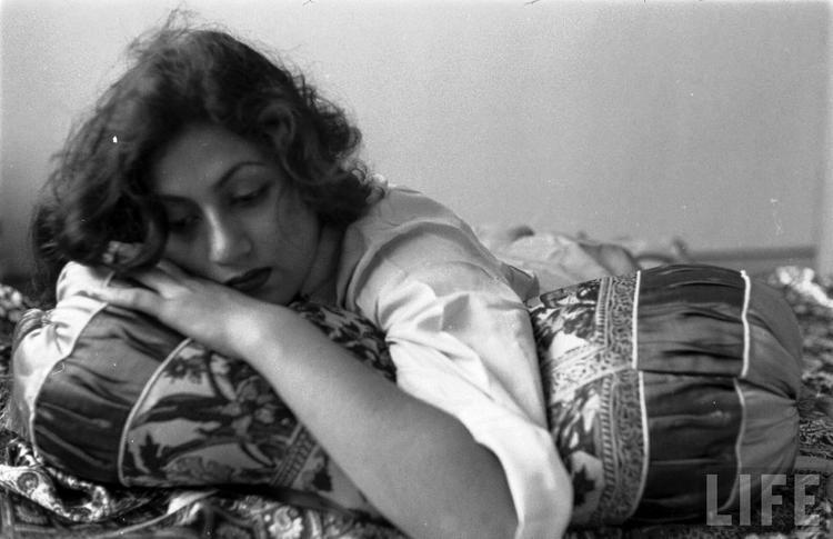 Rare Madhubala Photo - In Pensive Mood