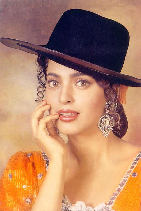 Juhi Chawla hat stylist wallpaper