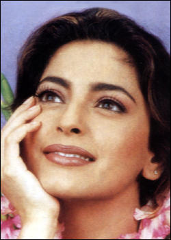 Sweety Juhi Chawla face wallpaper