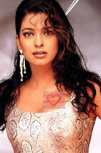 Juhi Chawla sexy look wallpaper