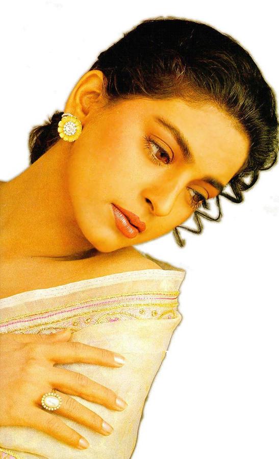 Juhi Chawla glamour face wallpaper