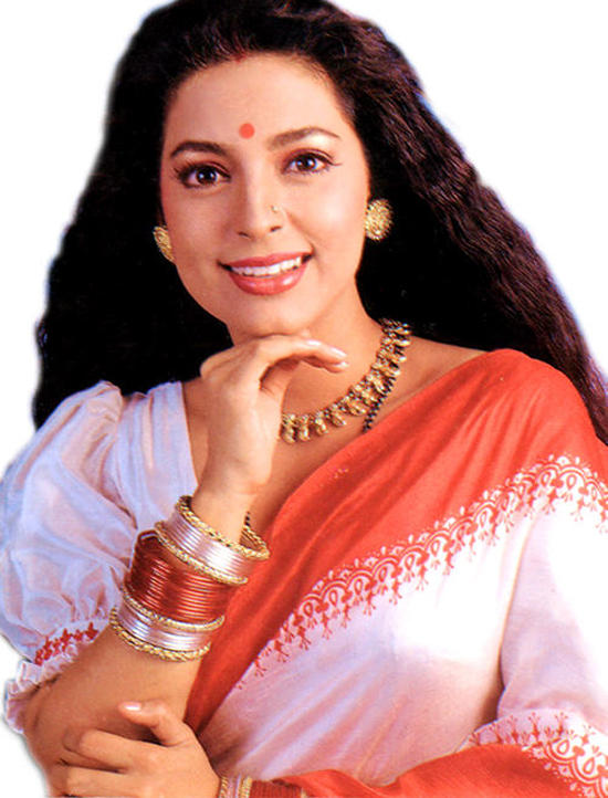 Juhi Chawla sexy eyes wallpaper
