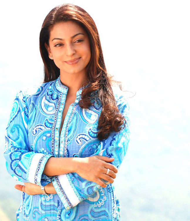 Juhi Chawla sweety smile wallpaper