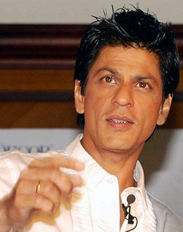 Shah Rukh Khan hair style pics