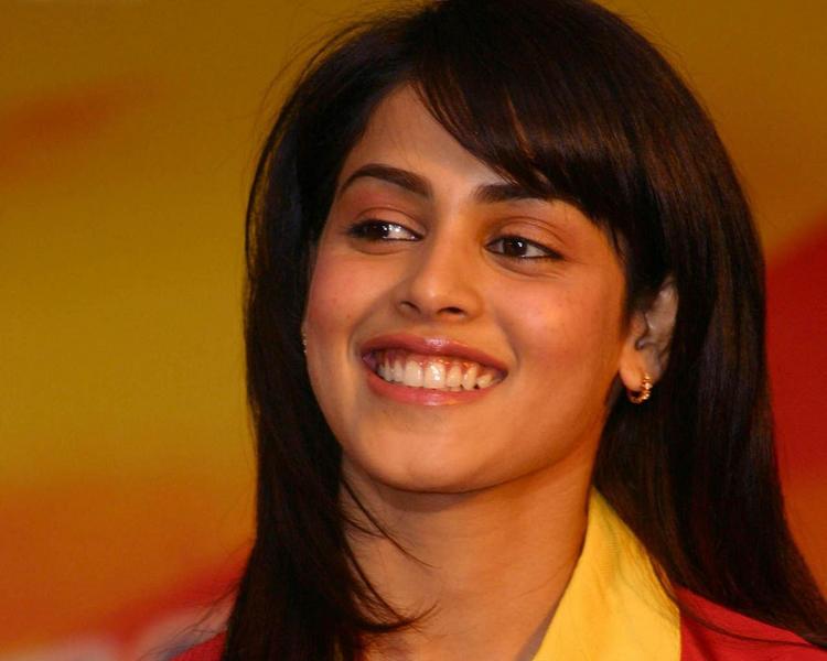 Genelia D'souza with open smile pics