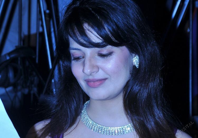 Saloni Aswani sizzling hot photo