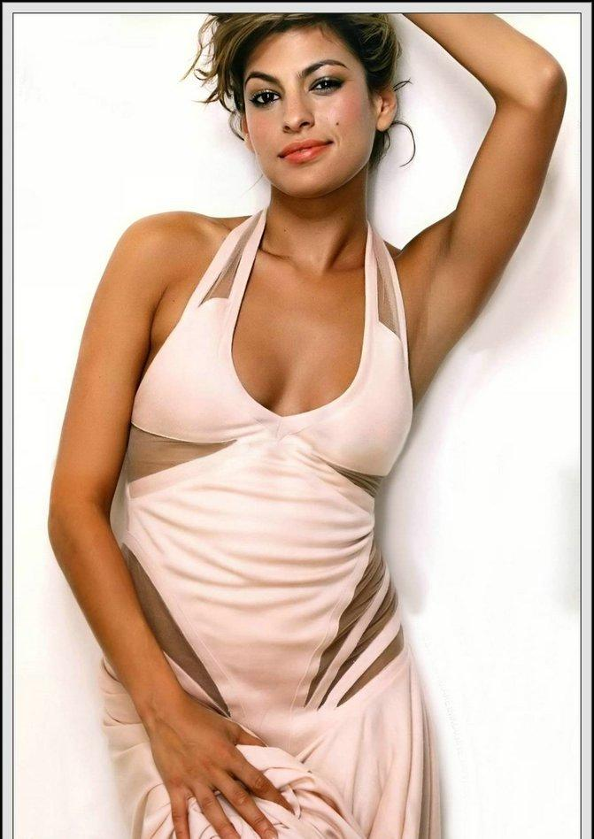 Eva Mendes sexy dressing photo