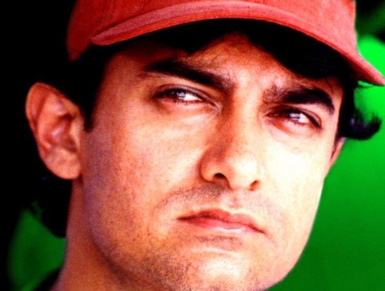 Aamir Khan red cap hot wallpaper