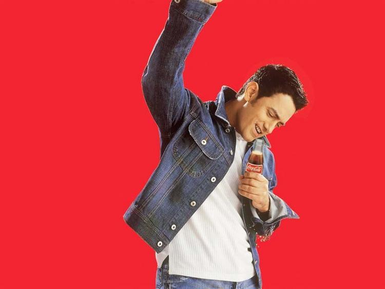 Aamir Khan red background cute wallpaper