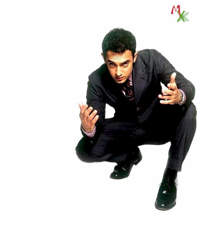 Aamir in Dil Chahta Hai stylist wallpaper