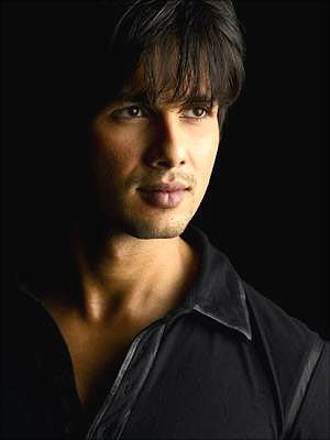 Shahid Kapoor sexy face wallpaper