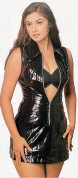 Simran black opening dress wallpaper