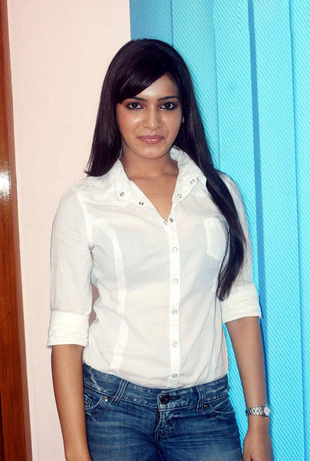 samantha tight jeans shirt still