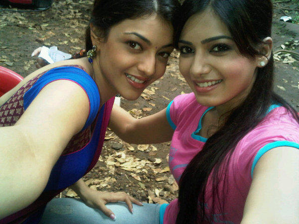 Samantha and Kajal agarwal cute photo