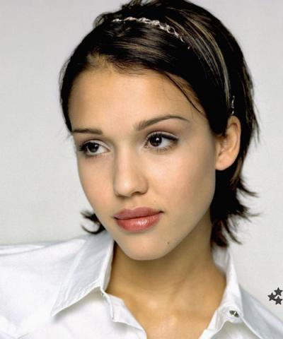 Jessica alba pop cuting stills