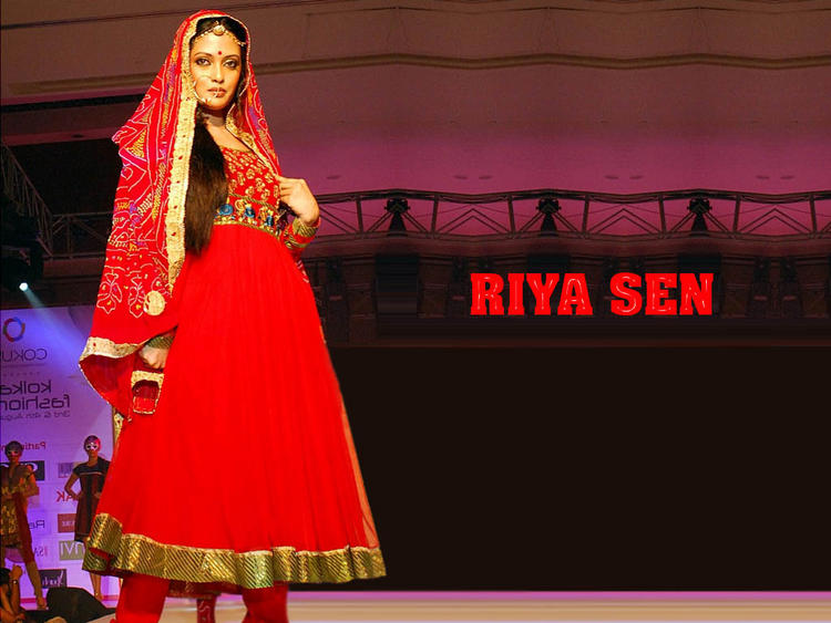 Riya Sen red dress latest wallpaper