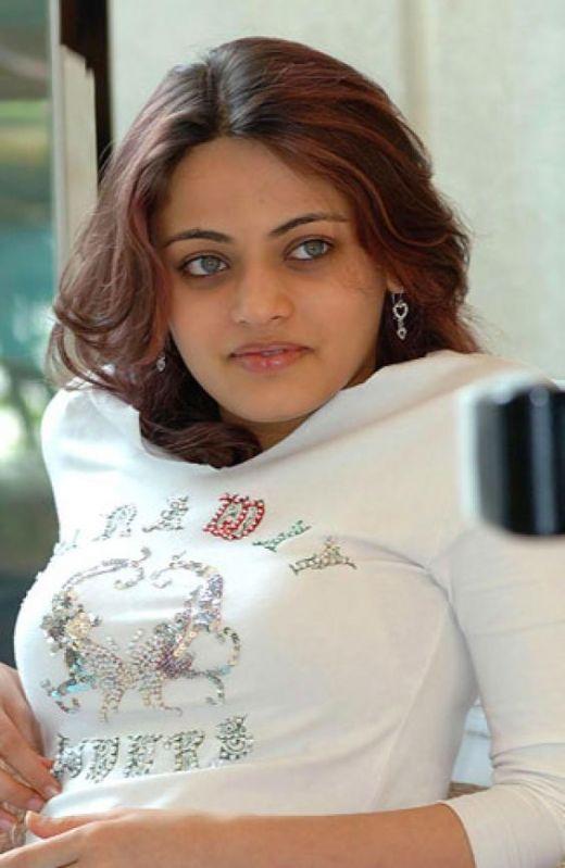 Sneha Ullal smoky eyes look