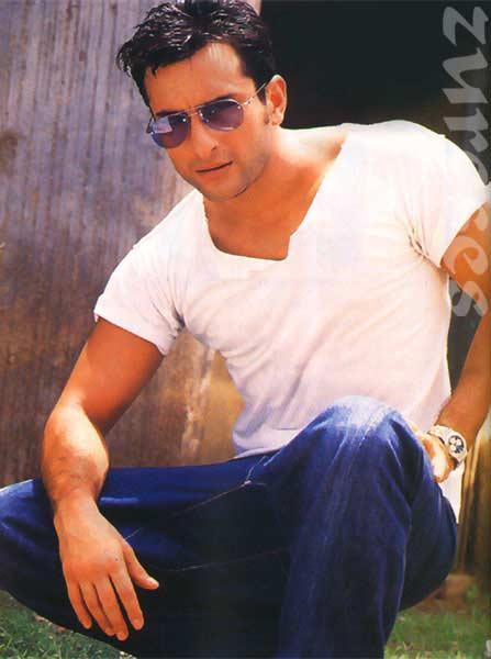Saif Ali Khan white t shirt wallpaper