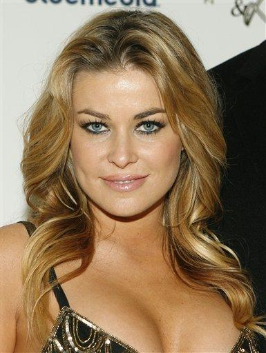 Carmen Electra looking very gorgeous