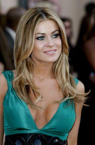 Carmen Electra green color dress public photo