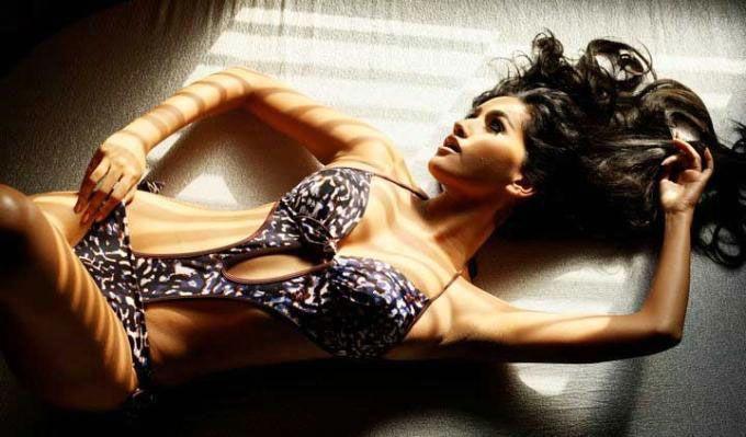 Anjali Lavania  sexy bikini dress wallpaper
