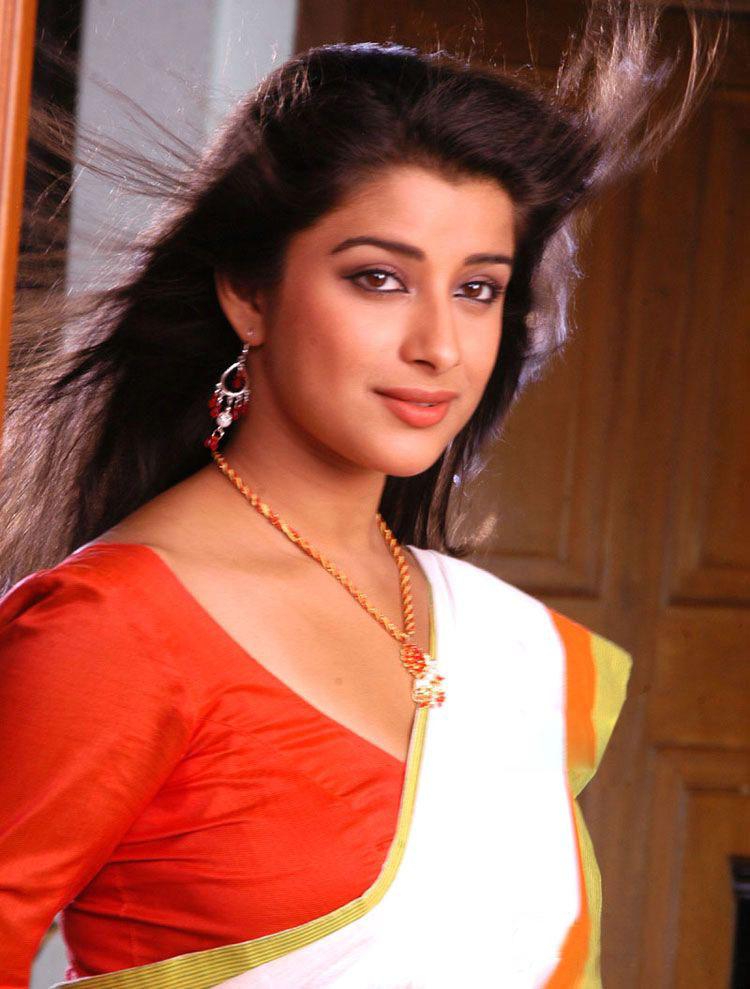 Hot Actress Madhurima images