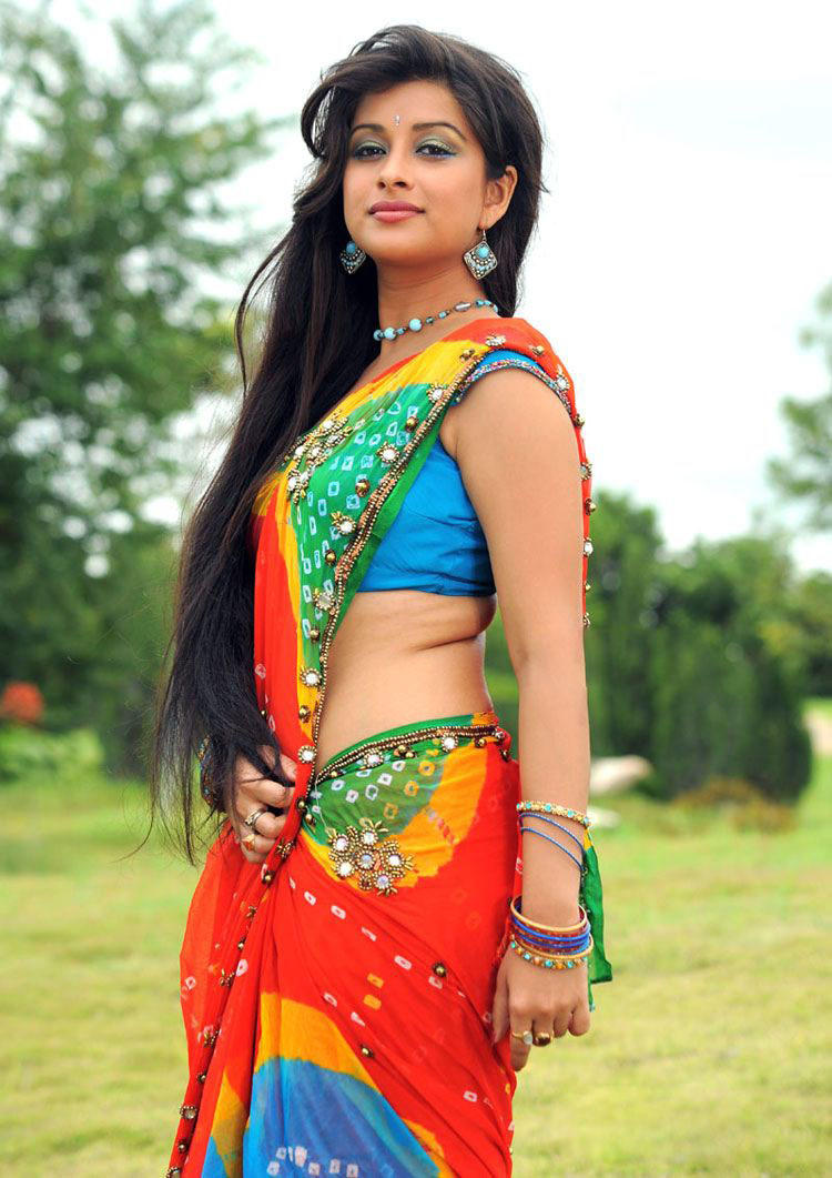 Madhurima Hot expression in saree