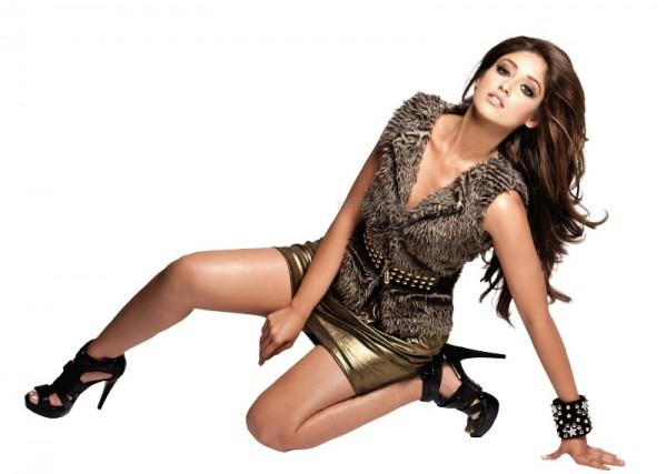 Indian Actress Ileana DCruz glamour photo shoot