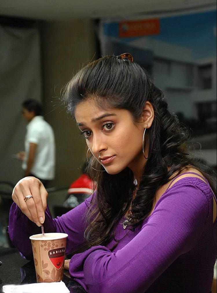 Ileana DCruz cute hot look