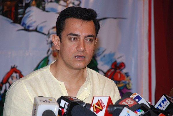Aamir Khan's press meet pics