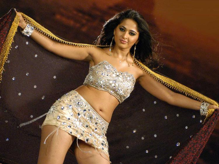 Actress Anushka Shetty hot still