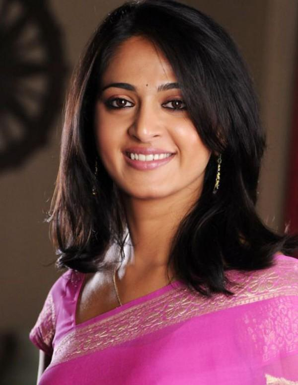 Anushka Shetty Latest pink saree photo