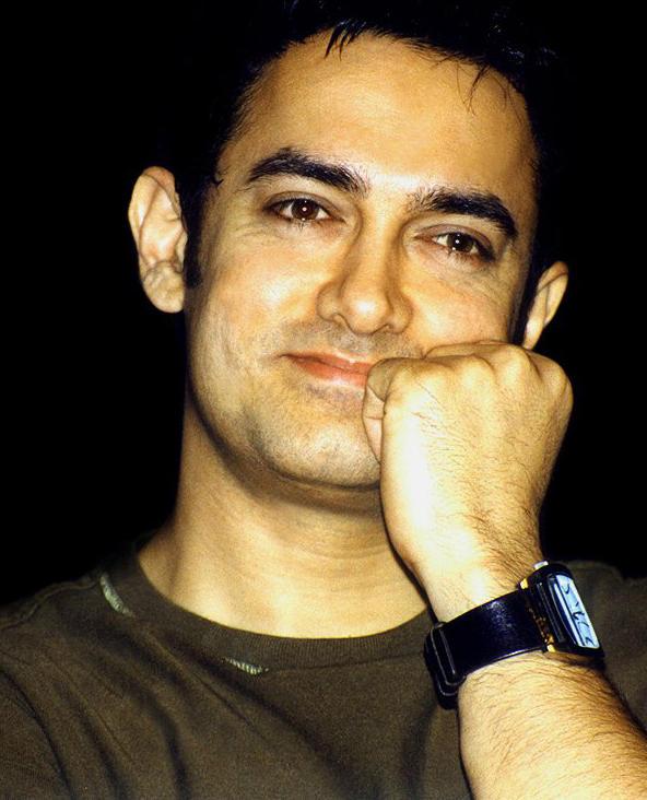 Aamir Khan's cute smile look