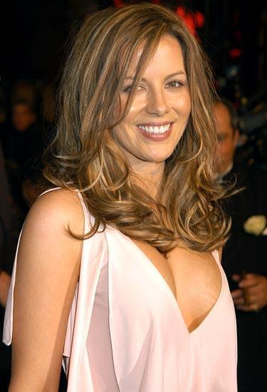 Kate beckinsale public open boob photo