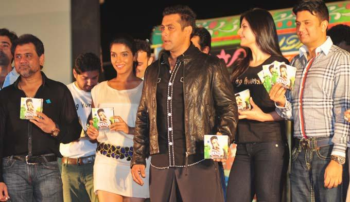 Salman Khan,Asin and Zarine at Ready Music Launch