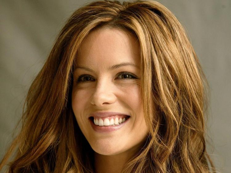 kate beckinsale beauty smile wallpaper