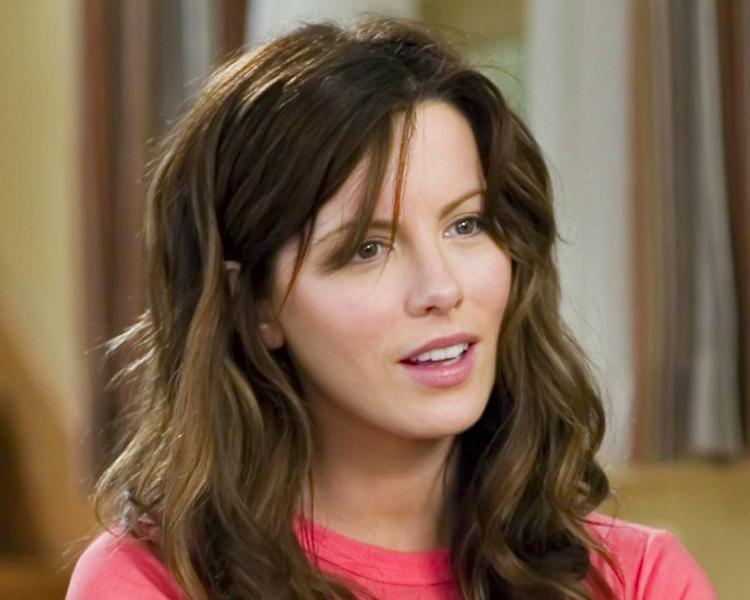 Kate Beckinsale cute hair style wallpaper
