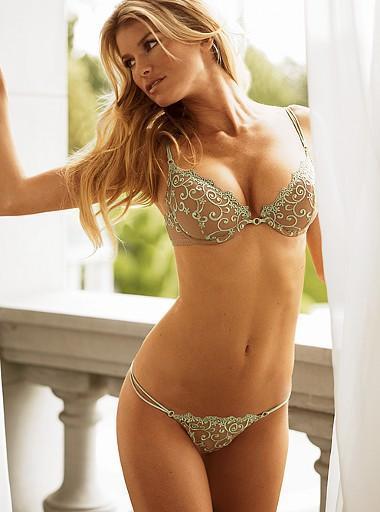 Marisa Miller open boob hot still