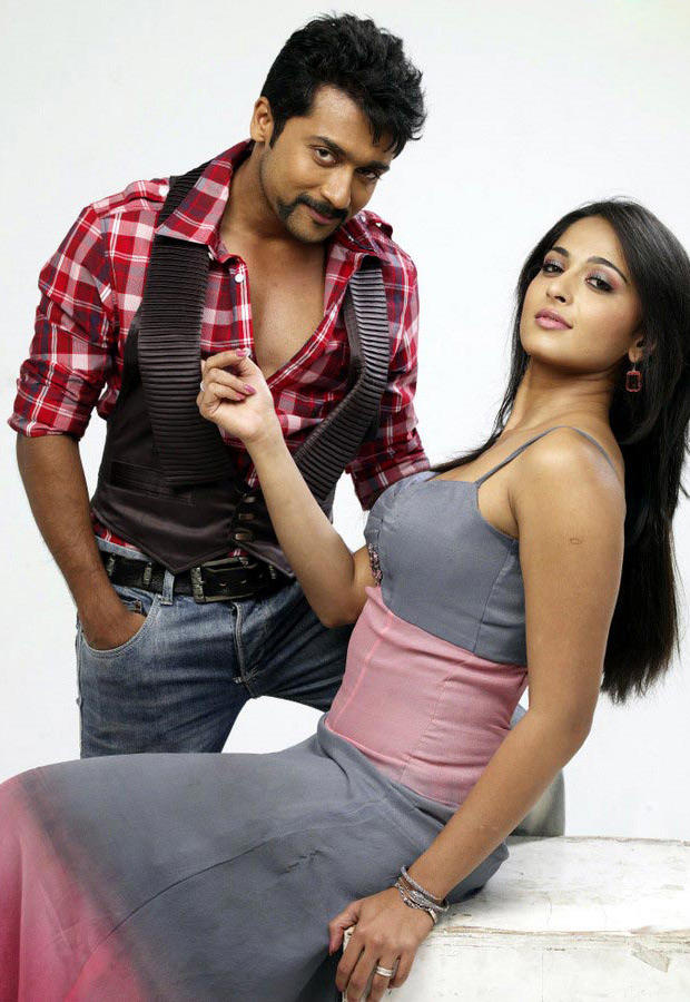 Yamudu movie latest stills of Surya and Anushka