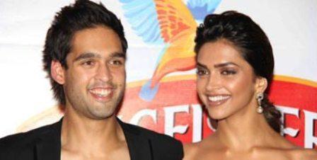 Siddharth Mallya and Deepika Padukone smile face look