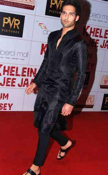 Siddharth Mallya wonderful still on red carpet