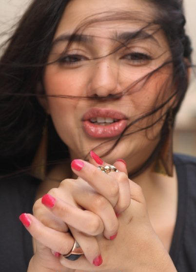 Mahira Khan sexy lips latest still