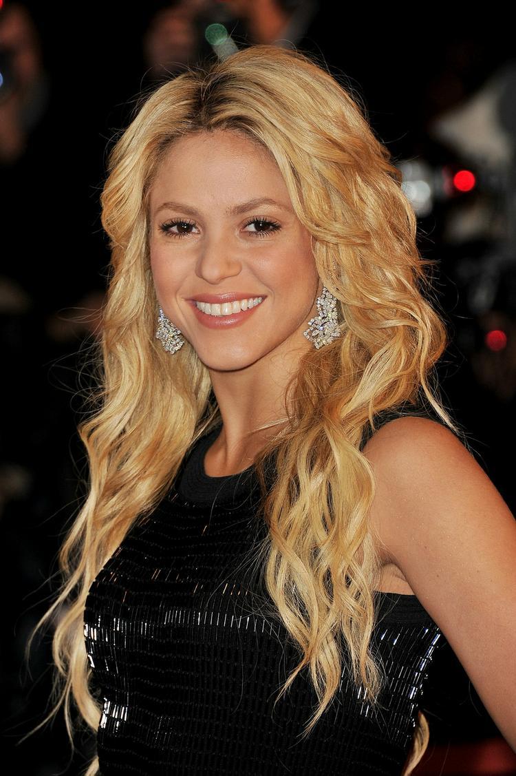 Shakira  press meet gorgeous still