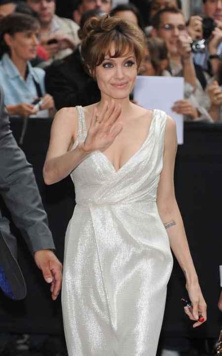 Angelina Jolie gorgeous dress public photo